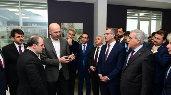 Sanayi ve Teknoloji Bakanı Mustafa Varank, Teknokent'i Ziyaret Etti