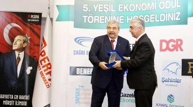 SANKO Holding Onursal Başkanı Konukoğlu'na Ödül Verildi