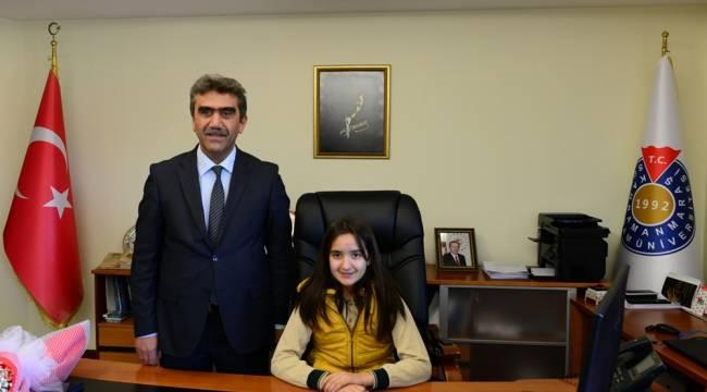 KSÜ Rektörlük Koltuğuna Hayrunnisa Çam Oturdu