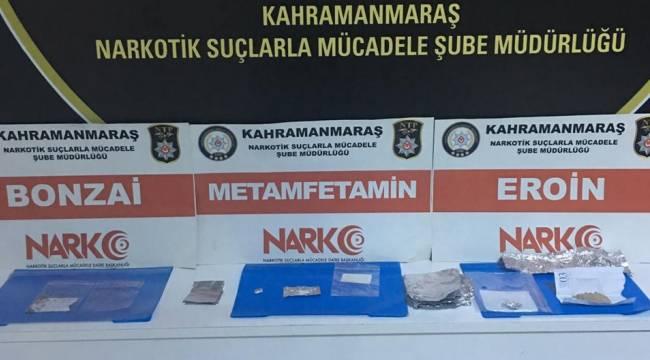 Uyuşturucu Satarken Yakalandılar