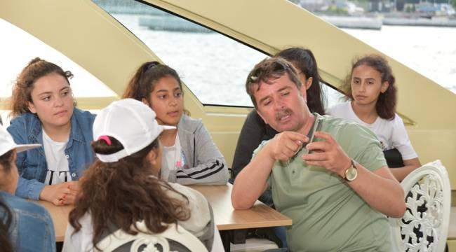 Başkan Okumuş; Öğrencilere Boğazda İstanbul'u Anlattı, Çanakkale Ruhunu Yerinde Yaşattı