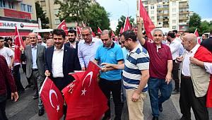 Dulkadiroğlu'ndan 15 Temmuz'da 15 Bin Türk Bayrağı..