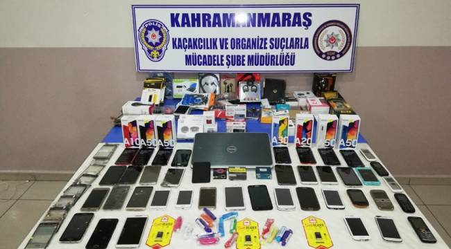 Polis''ten Kaçak Cep Telefonuna Operasyon