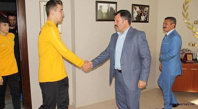 Sporcu Eğitim Merkezinden Balkan Güreş Şampiyonasında Büyük Başarı