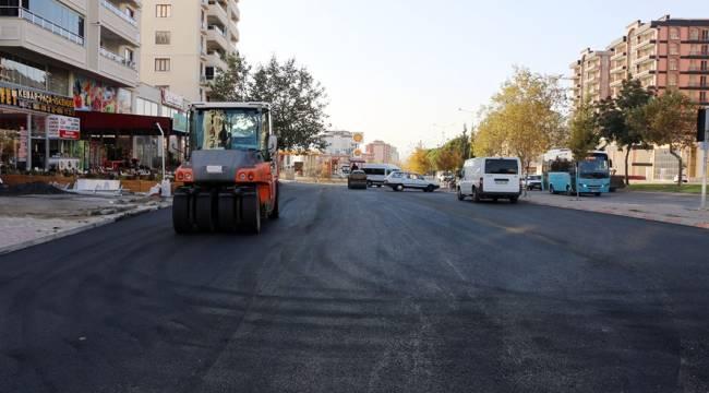 Erbakan Caddesi'ne Sıcak Asfalt