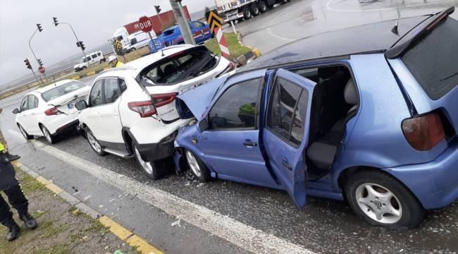 Kahramanmaraş'ta zincirleme trafik kazası: 5 yaralı