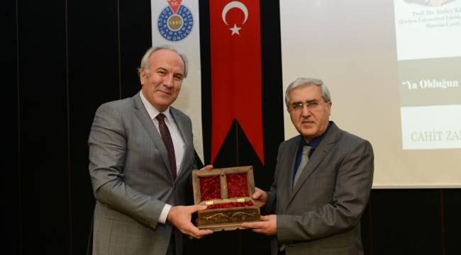 """KSÜ'de """"Mevlana Hazretleri ve Mevlevilik"""" Konferansı Düzenlendi"""