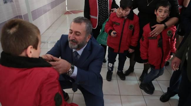 Türk Kızılayı Beşiktaş Şubesi gönüllüleri Kahramanmaraş'ta engellileri sevindirdi