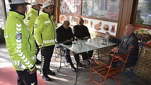 Kahramanmaraş'ta trafik polislerinden sahada eğitim