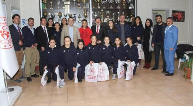 İl Müdürü Kabakcı Elazığlı Basketbol Takımını Misafir Etti