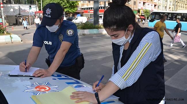Kahramanmaraş'ta maskesiz sokağa çıkan 49 kişiye para cezası uygulandı