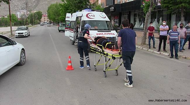Üç Otomobil Çarpıştı: 1 yaralı