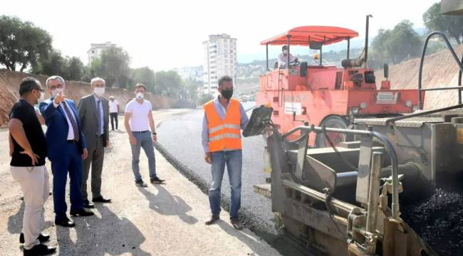 Başkan Güngör asfalt çalışmalarını yerinde inceledi