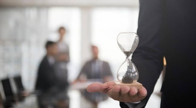 İşten çıkarma yasağı ve kısa çalışma ödeneği 1 ay daha devam edecek