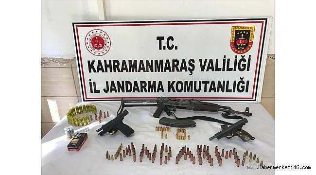 Kahramanmaraş'ta otomobilde uzun namlulu silah ele geçirildi