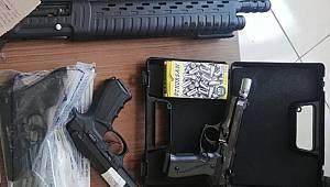 24 şüpheli silahlarla birlikte suçüstü yakalandı