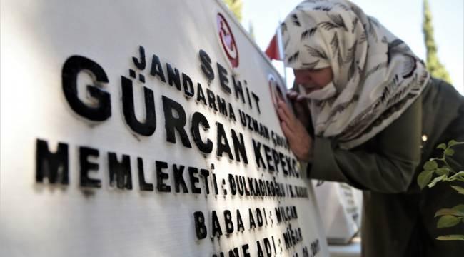 Kahramanmaraş'ta şehitlikte hüzünlü bayram