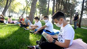 Başkan Hayrettin Güngör, öğrencilerle kitap okudu