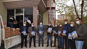 Afşin Belediyesinden LGS'ye hazırlanan öğrencilere hazırlık kitabı