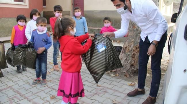 Kahramanmaraş'ta çocukların kanatsız meleği oldu