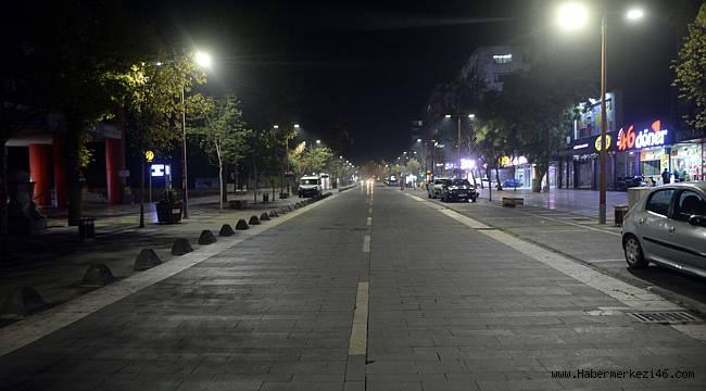 Kovid-19 tedbirleri kapsamında sokağa çıkma kısıtlaması başladı