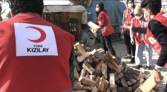 Kahramanmaraş'ta Türk Kızılay ekipleri ihtiyaç sahibi ailenin yüzünü güldürdü