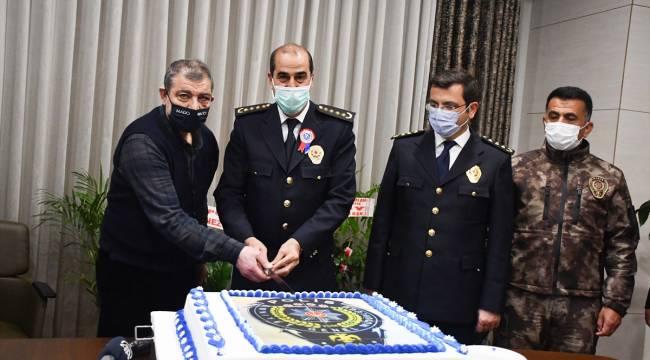 Kahramanmaraş'ta emniyet personeline özel pasta ikramı