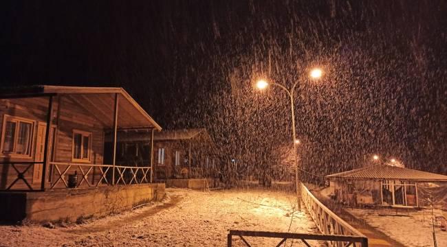 Kahramanmaraş'ta nisan ayında kar yağdı