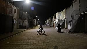 Kahramanmaraş'taki konteyner kentte ilk sahur