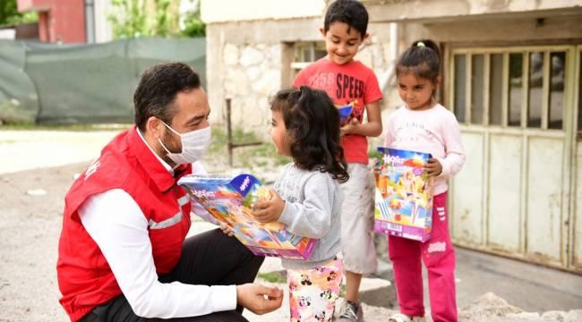 Toplumun Manevi Ruhunu Güçlendirmeye Vesile Olan Ramazan Bayramımız Kutlu Olsun