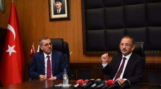 """Mehmet Özhaseki , """"CHP'nin taş üstüne taş koymak gibi bir hünerleri yoktur"""""""