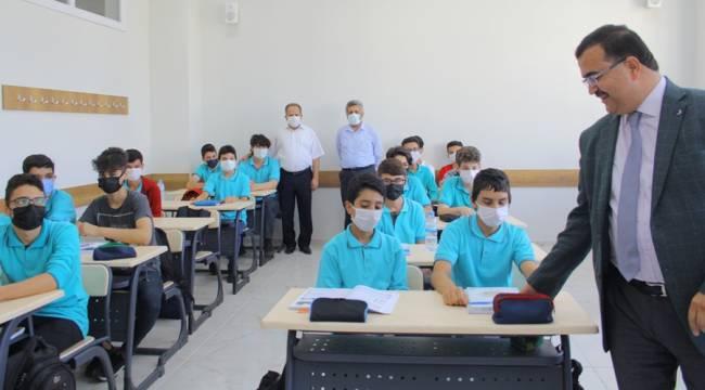 İl Milli Eğitim Müdürü Kahraman, okul ziyaretlerini sürdürüyor
