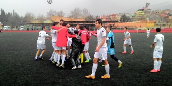 Büyükşehir Belediyespor U-17 Takımı il Şampiyonu